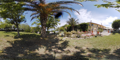 images/gallery_panoramiche/02_giardino.png